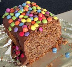 Schoko-Nuss-Kuchen mit Smarties