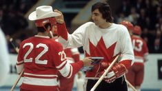 Great Hockey Photos You've Just Seen for the First Time! Canada Cup, Russian Boys, Canadian Boys, Women's Hockey, Summit Series, Sports Figures, Nfl Fans, Montreal Canadiens, Soviet Union