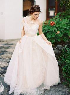 Holly Stalder gown // Corinne Krogh Photography