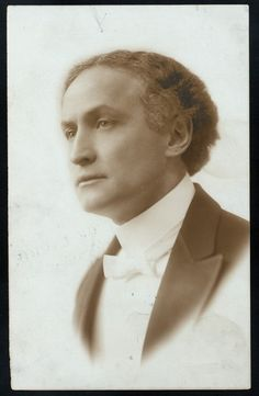 Harry Houdini (born Erik Weisz, later Ehrich Weiss or Harry Weiss; March 24, 1874 – October 31, 1926), ca 1915