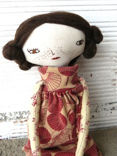 Muñeca artística con pelo de  pura lana virgen. 32 cm. de AntonAntonThings en Etsy