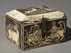 Capseta amatòria amb dama i unicorn Medieval Furniture, Casket, 15th Century, Unicorn, Projects To Try, Decorative Boxes, Objects, Lady, Metal