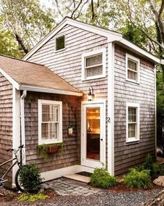 What do you think of this little home? #tinyhouse #houses