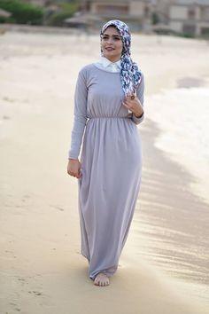 gray maxi hijab dress- beach hijab style- Hijab fashion inspiration http://www.justtrendygirls.com/hijab-fashion-inspiration/