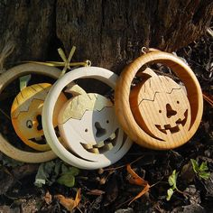 Handmade from massive wood, unique halloween decoration. The whole production is Hand made, including magical branded gift wrapping from Choralis Art. Halloween Pumpkins, Halloween Decorations, Wooden Pumpkins, Linden Wood, Wooden Decor, Pumpkin Decorating, Christian Gifts, Handmade Wooden, Wood Art
