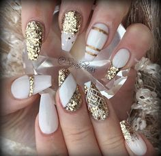 15 Graceful White Coffin Nails That Are Totally Edgy Coffin Nails white and gold coffin nails Nails 2018, Prom Nails, Wedding Nails, Wedding Makeup, Bridal Nails, New Year's Nails, Fun Nails, Matte Nails, Glitter Nails