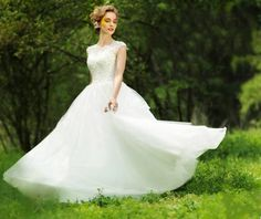2017 Fairy Lace High Neck Wedding Dress Vintage Short Sleeve Princess Wedding Gowns Sequins Tulle Bridal Dresses For Destination