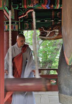 Celebrating Buddha's birthday at Jeondeungsa Temple in #Ganghwa Island, Korea (May 17, 2013)