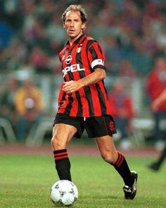 Football Icon, Best Football Players, World Football, Football Soccer, College Football, Messi, Franco Baresi, Beckham, Paolo Maldini