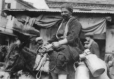 Γαλατάς - 1916 Greece Photography, Urban Photography, Thessaloniki, Athens Greece, Old Photos, Black And White, History, Respect, Vintage