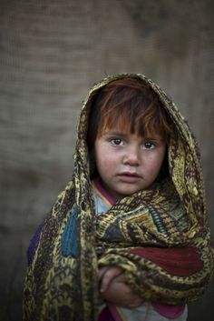 The stunning faces of Afghan refugee children in Pakistan [20 pictures] | 22 Words