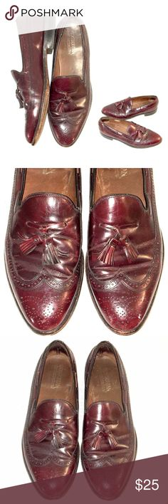 Bostonian Burgundy Leather Tassel Loafer Shoes #JT Bostonian Burgundy Leather Tassel Loafer Dress Shoes  Mens   Size 10.5 D/B  Quality Leather Wooden Heel  In Very Good Condition with some visible signs of general wear Bostonian Shoes