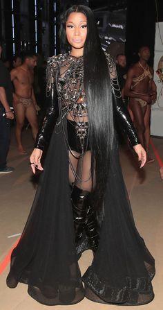 Nicki Minaj ✨✨ Ornamental Fountain Article Body: The word 'Fountain' is derived from the Latin word Nicki Minaj Outfits, Nicki Minaj Barbie, Nicki Minaj Pictures, Nicki Minaj Fashion, Nicki Minaj 2017, Nicki Minaj Nails, Nicki Manaj, Rihanna, Beyonce