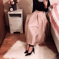 New skirt hijab outfit modest fashion ideas Hijab Outfit, Hijab Dress Party, Hijab Evening Dress, Islamic Fashion, Muslim Fashion, Modest Fashion, Fashion Fashion, Fashion Ideas, Modest Wear