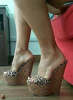 Sexy Legs And Heels, Hot High Heels, High Heels Stilettos, High Heels Images, Neon Heels, Beautiful High Heels, Sexy Toes, Female Feet, Women's Feet