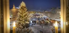 Beautiful view onto the Christmas Market in Klagenfurt am Wörthersee. Klagenfurt, Handmade Ornaments, Christmas Shopping, Old Town, Boutique, Light Up, Christmas Tree, Traditional, Marketing