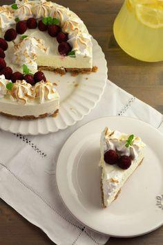 cheesecake cu lamaie si bezea Lidl, Biscuit, Waffles, Breakfast, Desserts, Recipes, Cheesecakes, Food, Honey