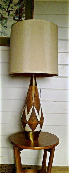 Mid Century tiki design ceramic Lamp