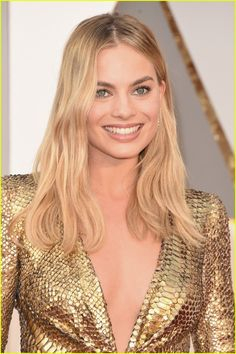 Margot Robbie Is a Golden Girl on Oscars 2016 Red Carpet: Photo #3591954. Margot Robbie arrives at the 2016 Academy Awards held at the Dolby Theatre on Sunday (February 28) in Hollywood.     The 25-year-old Big Short actress wore a stunning…