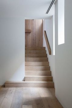 Stairs and handrail Wood Staircase, Stair Handrail, Modern Staircase, Staircase Design, Staircases, Railings, Stair Design, Handrail Ideas, Staircase Remodel