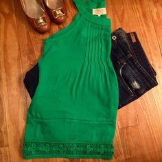 Green Stitch Fix Lace Trim Halter Top [Sz L] Brand new, never worn Kelly Green Stitch Fix Yosemite Lace Trim Halter Top. Gorgeous lace detail along hemline and neck (shown in last picture). Soft rayon is hand washable. Size large. Pet free, smoke free home. Stitch Fix Tops Tank Tops