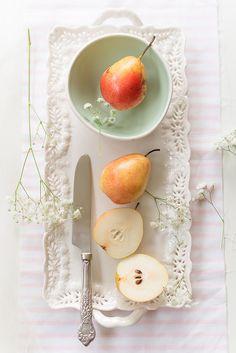 Elizabeth Gaubeka natural light food styling and photography, fruits: Fruit And Veg, Fruits And Veggies, Fresh Fruit, Vegetables, Food Photography Styling, Food Styling, Light Photography, Delicious Fruit, Tasty