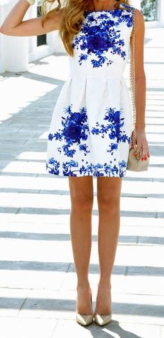 http://outletpad.storenvy.com/collections/748467-dresses/products/8033757-sleeveless-white-porcelain-floral-print-flare-dress