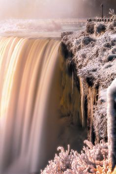 Niagara Falls in Winter https://www.facebook.com/pages/EXPONLINE/141220162699654?ref=hl