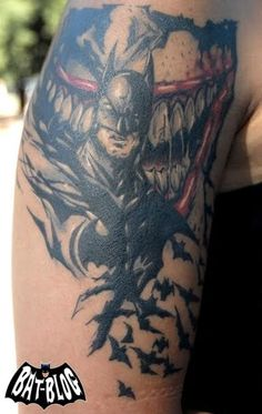 Check out this totally cool BATMAN/JOKER TATTOO Photo sent in by our Friend Dee who lives in Buenos Aires, Argentina! Badass Tattoos, Body Art Tattoos, Cool Tattoos, Tatoos, Batman Joker Tattoo, Joker Tattoos, Mens Tattoos, Tattoo Flash Art, Tattoo Art