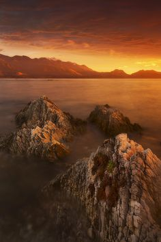 ~~Kaikoura Gold ~ a brilliant dawn, seaside town of Kaikoura, New Zealand by Dylan Toh & Marianne Lim~~