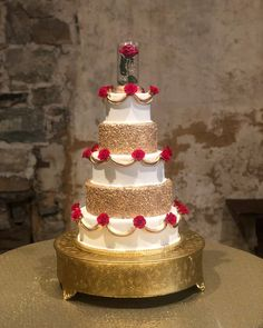 Beauty and the Beast themed Faux Cake - Beauty Women Beauty And The Beast Wedding Cake, Beauty And Beast Birthday, Beauty And The Beast Theme, Wedding Beauty, Fall Wedding Cakes, Wedding Cake Designs, Wedding Ideas, Gold Wedding, Minnie Mouse Cupcake Toppers