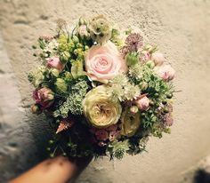 Bouquet rond, pastel nature Marie, Floral Wreath, Creations, Photos, Pastel, Wreaths, Photo And Video, Instagram Design, Pictures