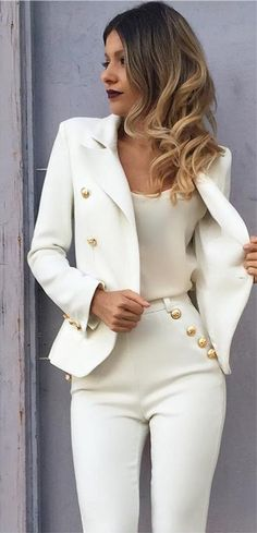 Awesome tenues chics et classes pour femme classy outfits and classes for women Fashion Mode, Work Fashion, Womens Fashion, High Class Fashion, Formal Fashion, Feminine Fashion, Classic Fashion, Fashion Edgy, White Fashion