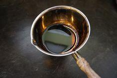 Black gold: how to reduce balsamic vinegar Edamame, Bariatric Recipes, Keto Recipes, Balsamic Reduction Sauce, Ginger Salad Dressings, Marinate Meat, Black Gold, Spices, Vinegar