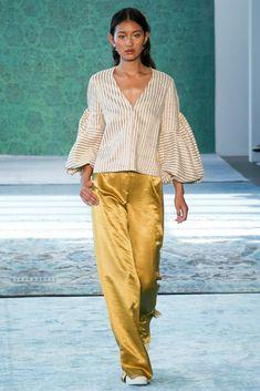 Hellessy Spring 2017 Ready-to-Wear Fashion Show Look Fashion Mode, Fashion 2017, Love Fashion, Runway Fashion, Spring Fashion, High Fashion, Fashion Show, Womens Fashion, Fashion Design