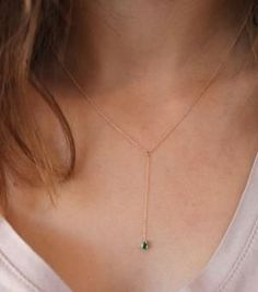 Raindrop Necklace, emerald. Simple and super sexy. #raindropnecklace #necklace #emerald #raindrop #catbird