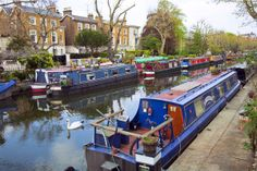 Little Venice    (London's Little Venice is a tranquil canal area that is home to waterside cafes and pubs.)