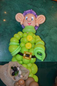 """Evento """"Biancaneve """" Cucciolo - personaggio 3D interamente eseguito con palloncini 5"""""""