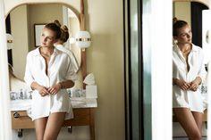 Biżuteryjne nowości, promienna Kasia Szklarczyk na tle madryckich uliczek i mnóstwo pozytywnej energii - tak właśnie prezentuje się nasza jesienna kampania. ✨ #new #campaign #jesien #lato #trendy #inspiracje #bizuteria #sesjazdjeciowa #photoshoot #jewellery #jewellerylove #apart #bizuteriaapart #earring #necklace #minimalist #gold #silver #flatlay #photography #instagram Trendy, New Girl, Earrings, Instagram, Fashion, Moda, Stud Earrings, Ear Rings, Fasion