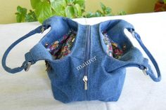 Picture 13 of 100 from Сумки Hand Made Denim Bag Patterns, Bag Patterns To Sew, Denim Tote Bags, Denim Purse, Recycled Fashion, Recycled Denim, Sac Week End, Leather Bag Pattern, Jean Purses