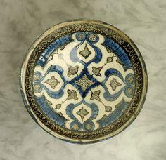 Bowl, Iran, Kashan, 13th century  Ceramics  Fritware, underglaze-painted