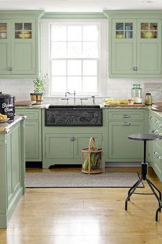 Green Kitchen Cabinets, Painting Kitchen Cabinets, Kitchen Wood, Floors Kitchen, White Cabinets, Diy Kitchen, Kitchen Cabinetry, Kitchen Countertops, Kitchen Backsplash