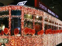 Natale 2015 Milano, torna il tram illuminato di Spontini: musica e omaggi  Prenota tua camera http://www.bedinmilano.com/