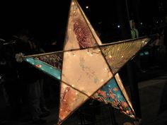 """Christmas lasts for over a month in the Philippines. Each carries their """"parol"""" to light their way to mass. Christmas Parol, Christmas Lanterns, Christmas Decorations, Star Lanterns, Paper Lanterns, Black Christmas, Christmas Star, Recycled Parol, Parol Diy"""