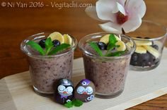 Blueberry dreams smoothie, hand-painted owls on river pebbles, (c) Ni Yan, February 2016