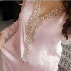 No automatic alt text available. Kaftan Abaya, Caftan Dress, African Dress, Indian Dresses, Modest Fashion, Fashion Dresses, Estilo Abaya, Kaftan Designs, Arab Fashion