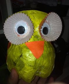 Lantern owl from PET bottle Owl Lantern, Lantern Craft, Diy And Crafts, Arts And Crafts, Paper Crafts, Diy For Kids, Crafts For Kids, Owl Pet, Autumn Crafts