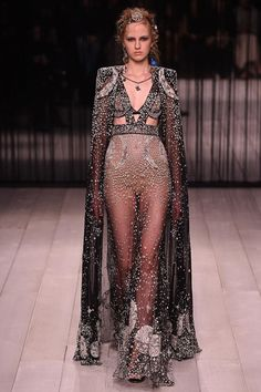"Alexander McQueen Fall 2016 Ready-to-Wear Wow! Not ready to wear. McQueen has been disappointing the past two years. I won't post any of his work. Gads! I'm boycotting this ""vision!"""