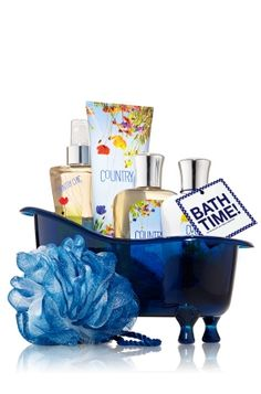 Bath & Body Works® Signature Collection - Splish Splash Gift Set - Country Chic™ (Really into the loofah. Vintage Laundry, Vintage Tile, Wood Bath, Christmas Baskets, Best Bath, Bath And Body Works, It Works, Gifts, Basket Ideas