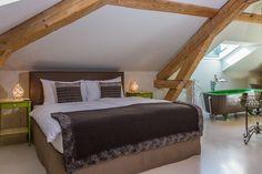 Hôtel Morges-Suisse Restaurant, Bed, Furniture, Home Decor, Home Decoration, Switzerland, Houses, Stream Bed, Restaurants